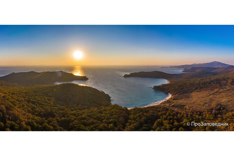 Рассвет над полуостровом Гамова