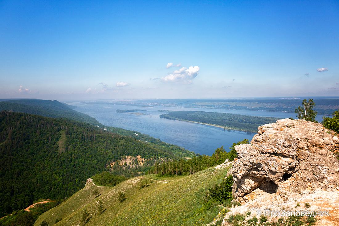 Вид на Волгу с горы Стрельная