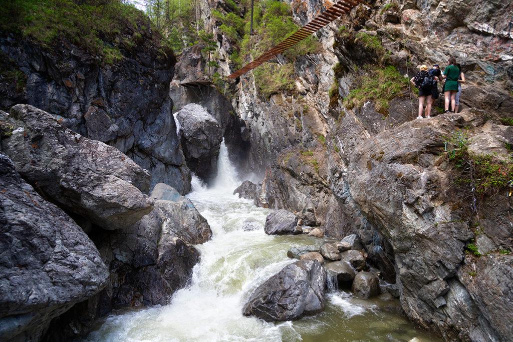 Водопад на реке Кынгарга
